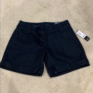 The Limited Tailored Jean Short 5 inch Size 0
